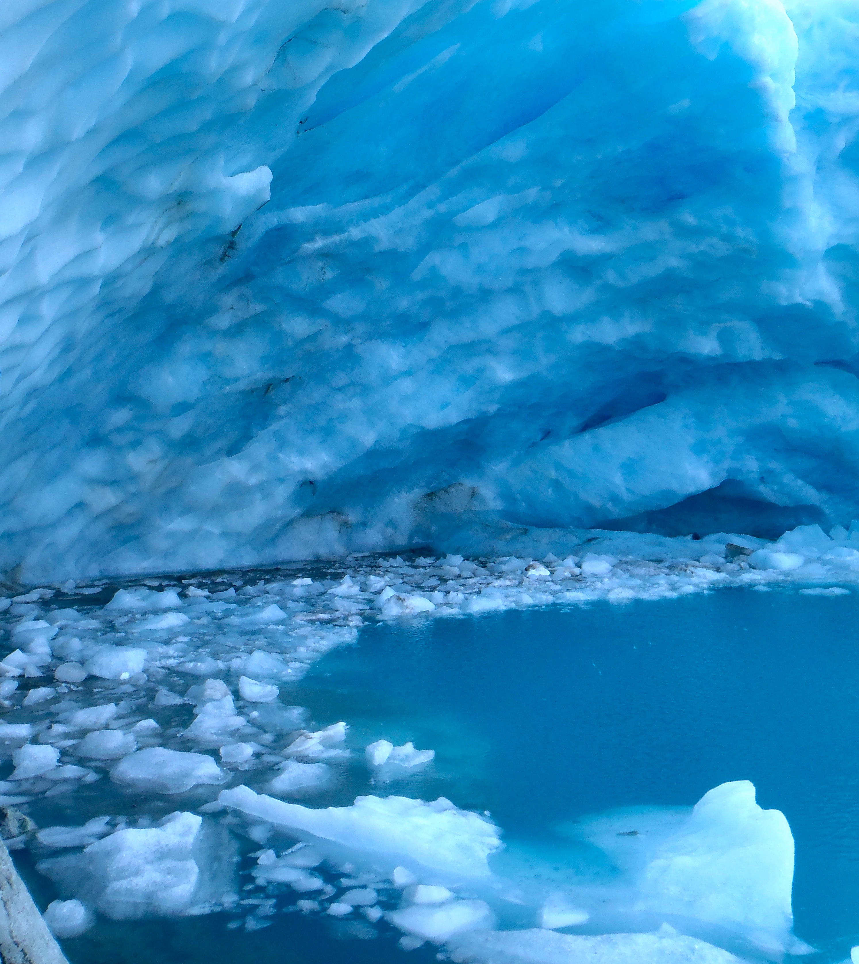Displaying 13> Images For - Beautiful Ice Caves...